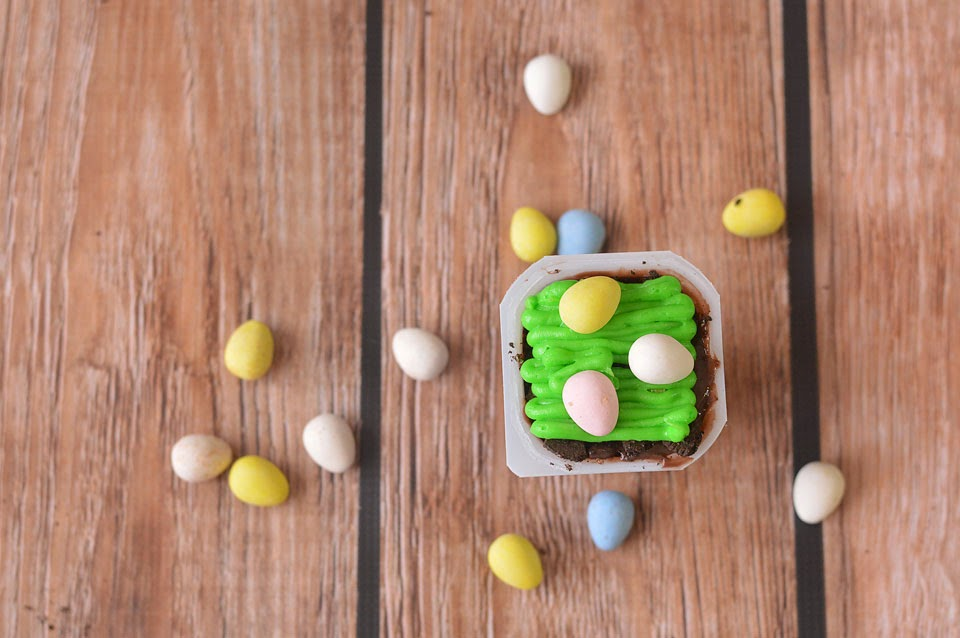 Looking for a cute, easy, and fun Easter dessert?! These Easter Egg Hunt Pudding Cups take minutes to assemble and only require 5 ingredients!