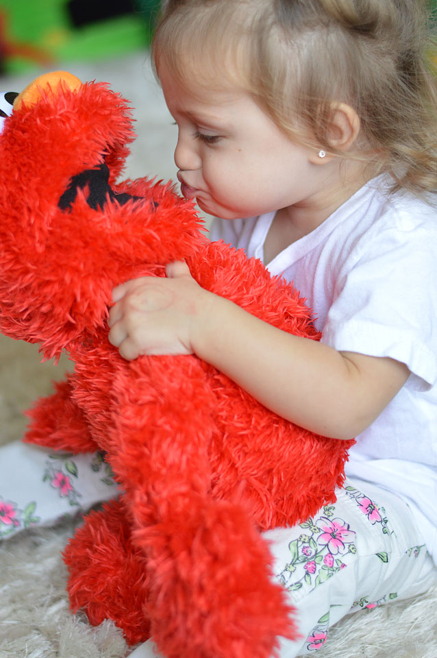 play_all_day_elmo
