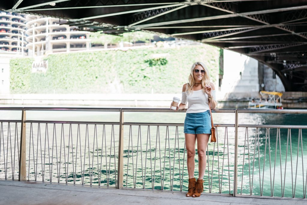 Chicago vibes; photoshoot in downtown Chicago.