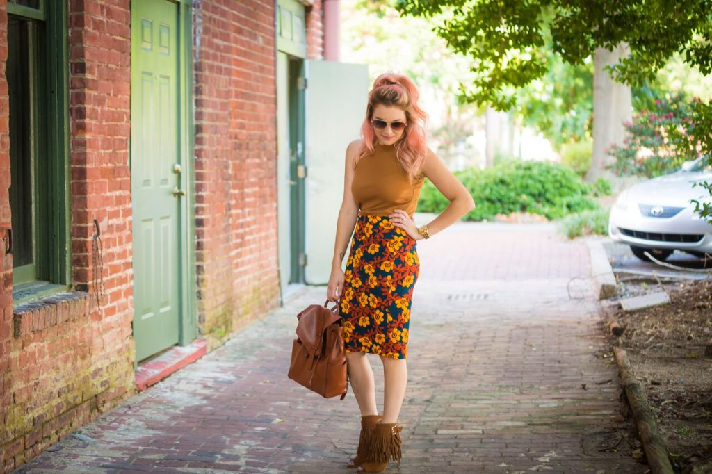 It's good to be a girl. Vera Bradley's new fall line is sure to make you fall in love. Grab your fall outfit inspiration here.
