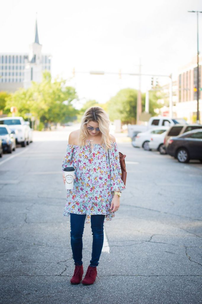 Fall florals are all the rage right now. Life and style blogger, The Samantha Show is sharing a few different ways to work them into your fall wardrobe.