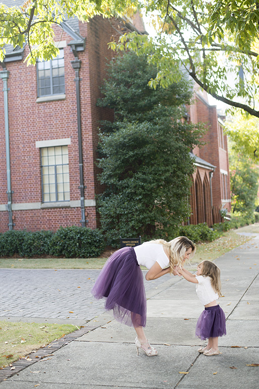 Matching mommy and me outfits: this post features mommy and me tulle skirts. Perfect for a special occasion or those family photos you've been putting off!