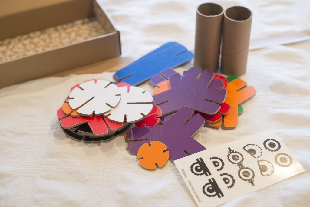 YOXO Build It kits provide your children with a fun and educational experience. These open-ended kits allow them to use their imaginations and enjoy the fun for hours!