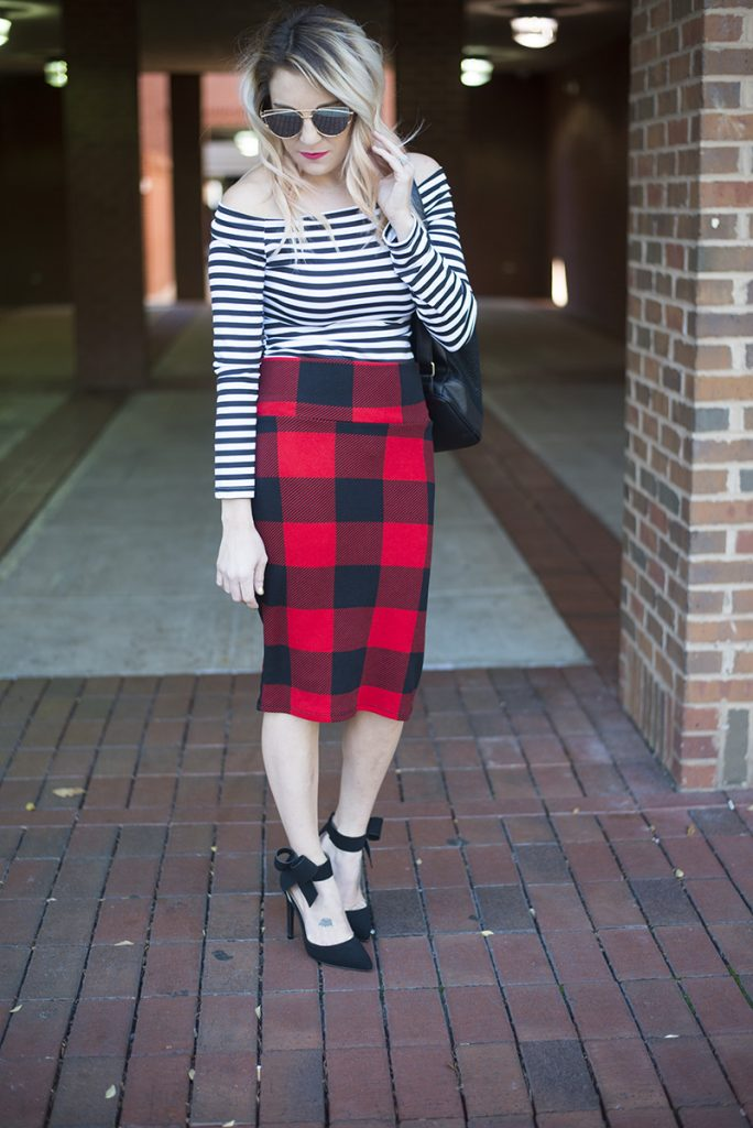 When it comes to pattern mixing, stripes and buffalo plaid is probably my favorite combination. Buffalo plaid is a little bit of a larger plaid print and makes a total statement when mixed with small stripes.