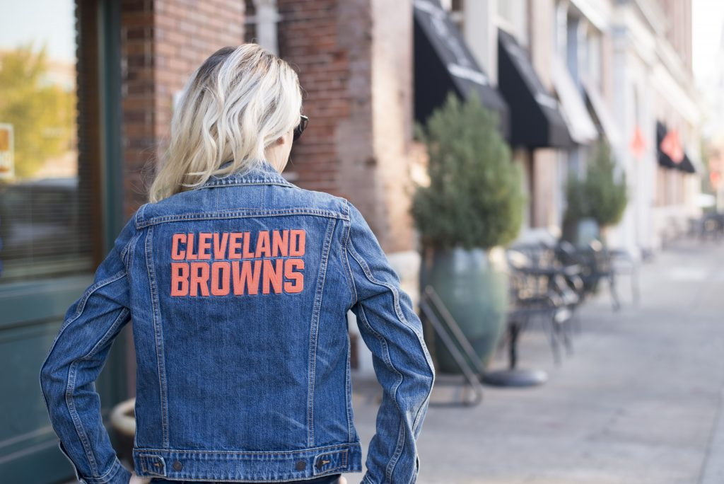Fall fan style featuring a Cleveland Browns jean jacket from Levis. No need to stick with the boring and mundane jersey when you can get creative and still sport your team gear!