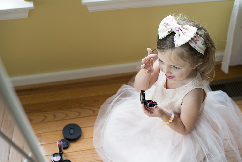 Fun and unique gift ideas for little girls: Just Like Mommy Cosmetics pretend make-up makes it fun and safe for everyone!