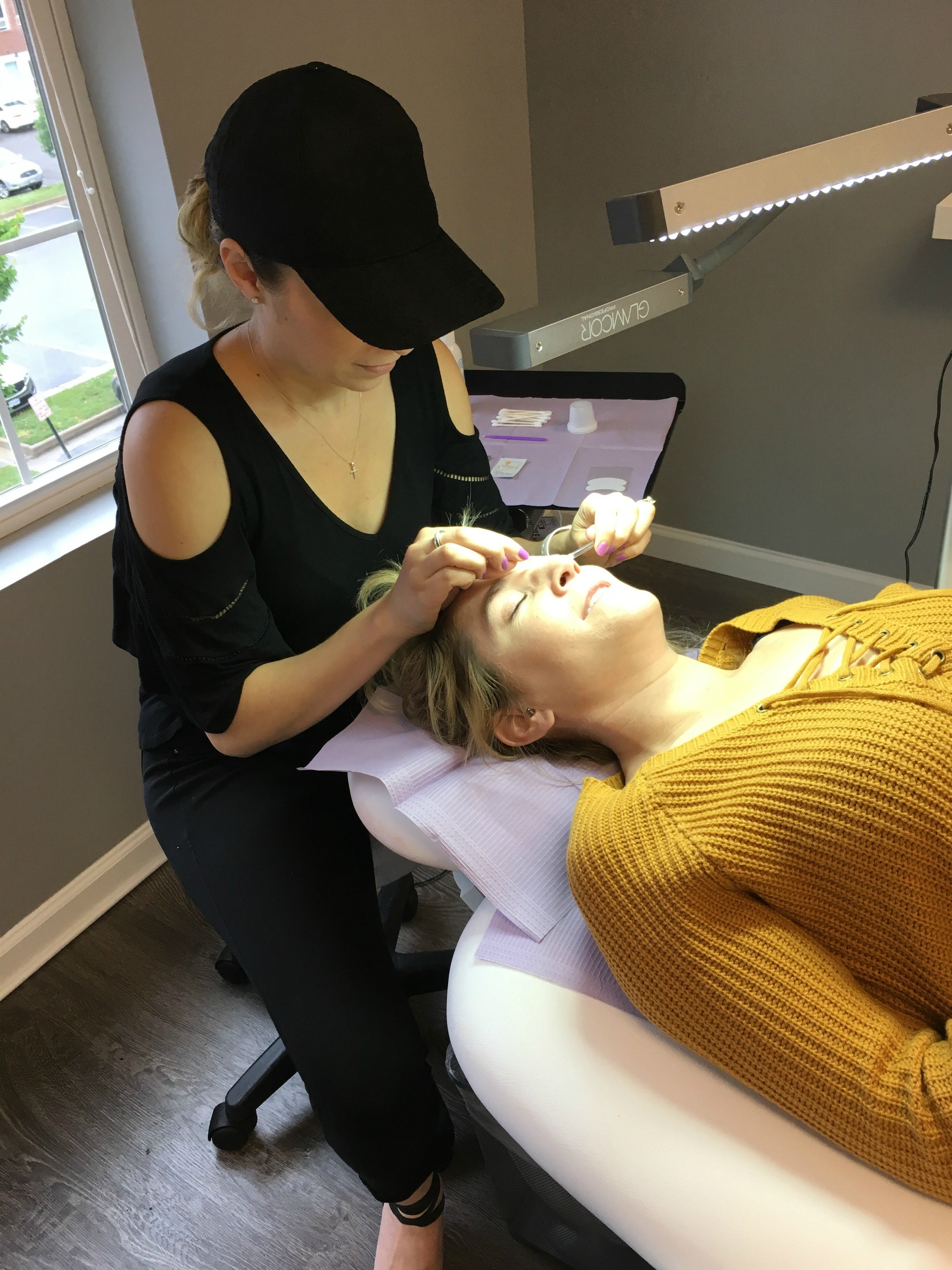 Have you been on the fence about a lash lift and tint? Life and style blogger, The Samantha Show, shares her experience with a lash lift and tint.