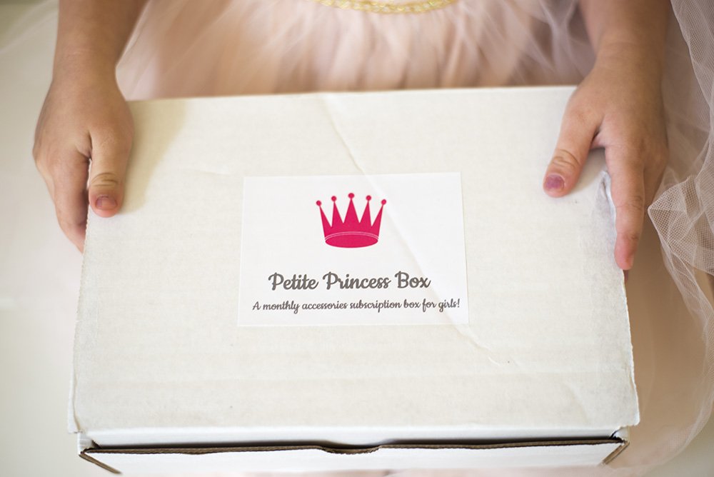 Fun and unique gift ideas for little girls: Petite Princess Box is a monthly subscription for little girls featuring 5 accessories for dress-up or everyday fun!