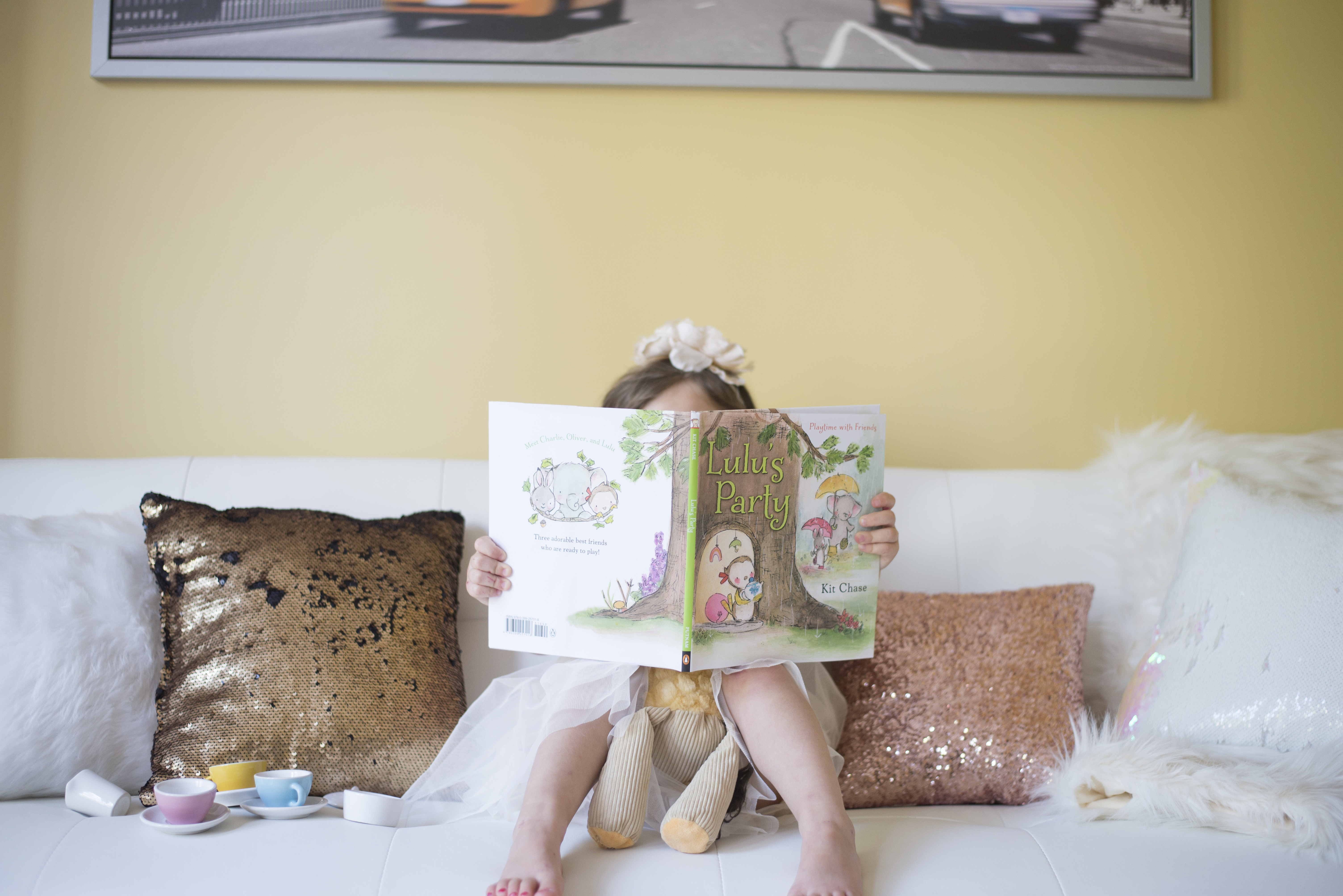 Fun and unique gift ideas for little girls: Bookroo is a monthly book subscription service to keep your story times fresh and exciting!