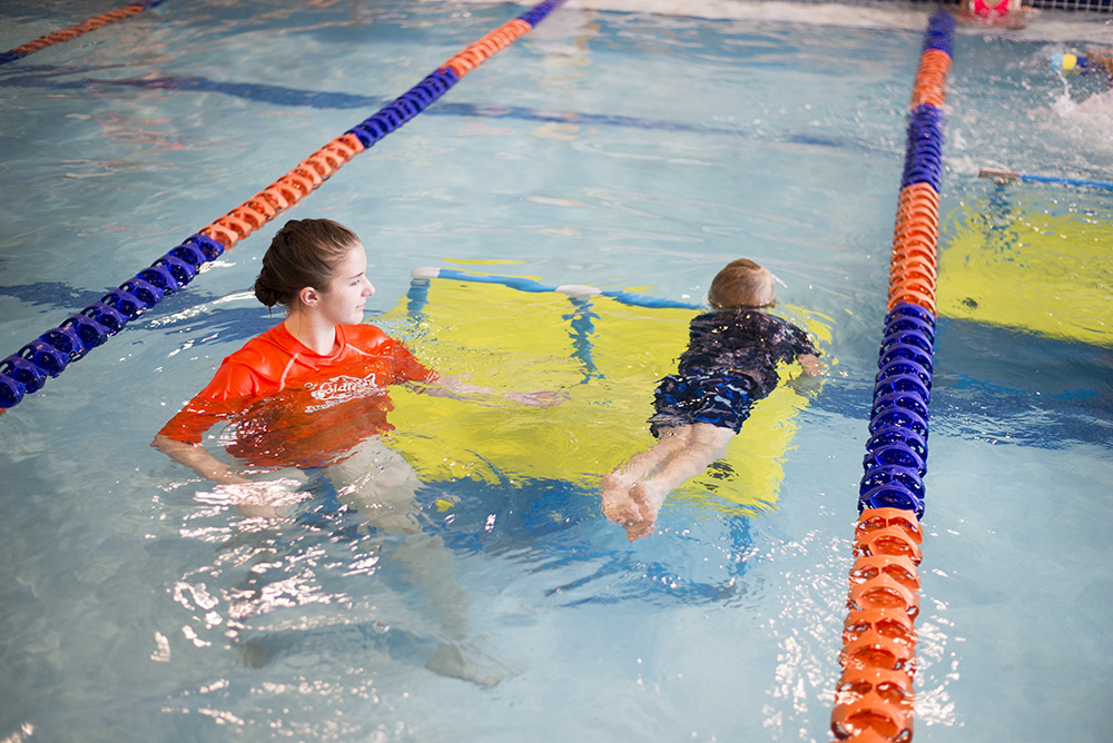 Cleveland blogger The Samantha Show shares her experience with Goldfish Swim School and how to get your kids to love swimming lessons
