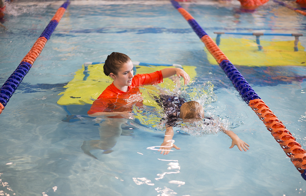 Cleveland blogger The Samantha Show shares how to get your kids to love swimming lessons