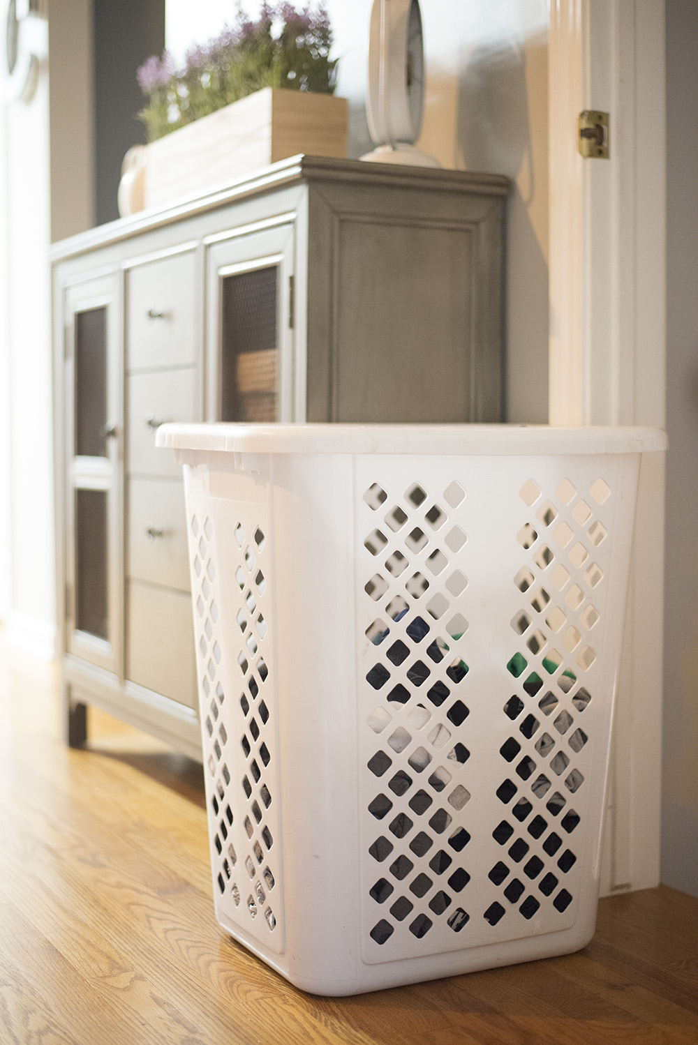Cleveland blogger The Samantha Show shares 5 ways to make doing laundry easier! keep a basket near the stairs...