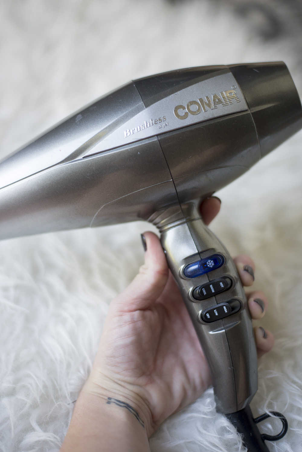 Cleveland blogger The Samantha Show shares her tips on how to cut your blow dry time in half.