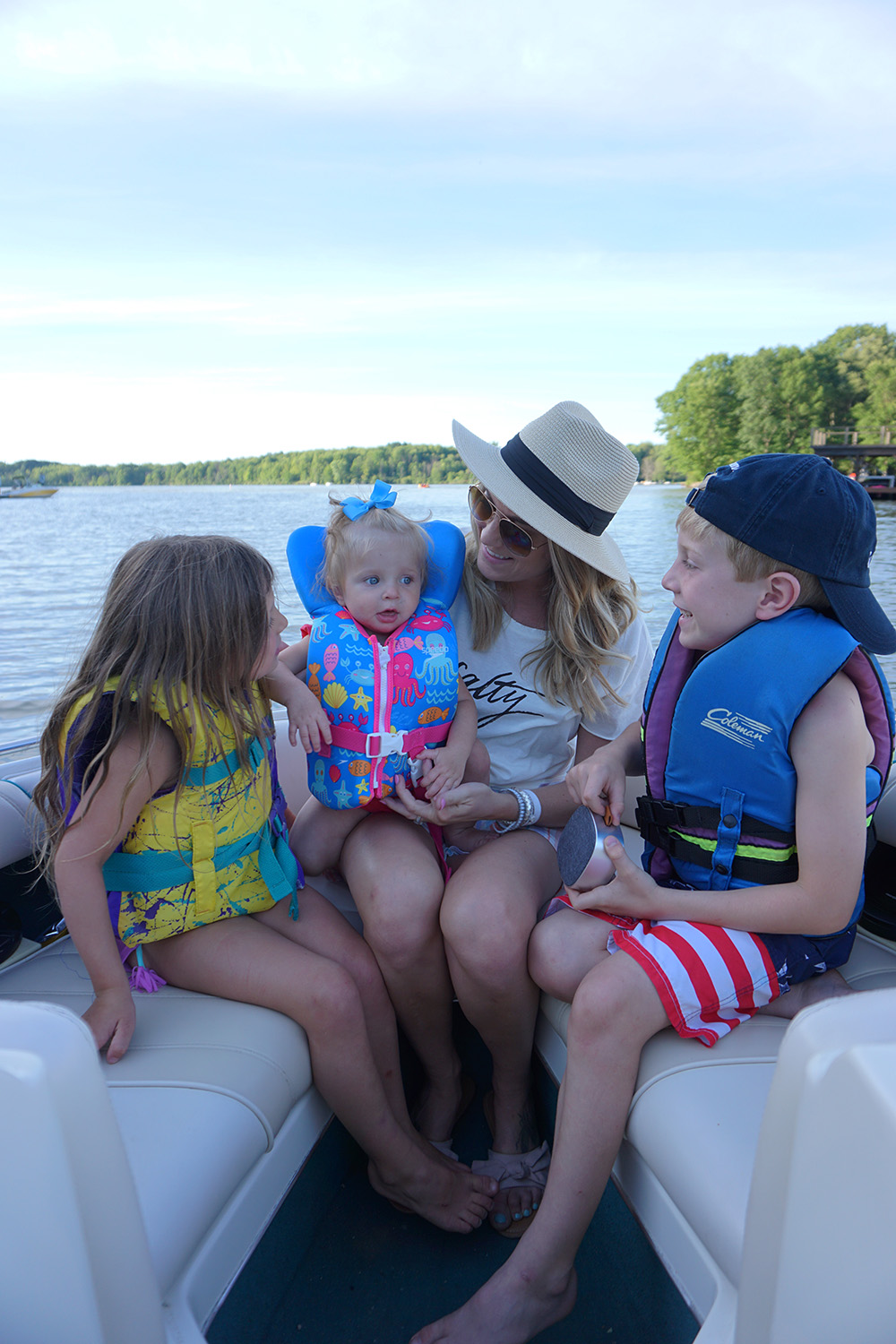 6 tips for boating safely with kids