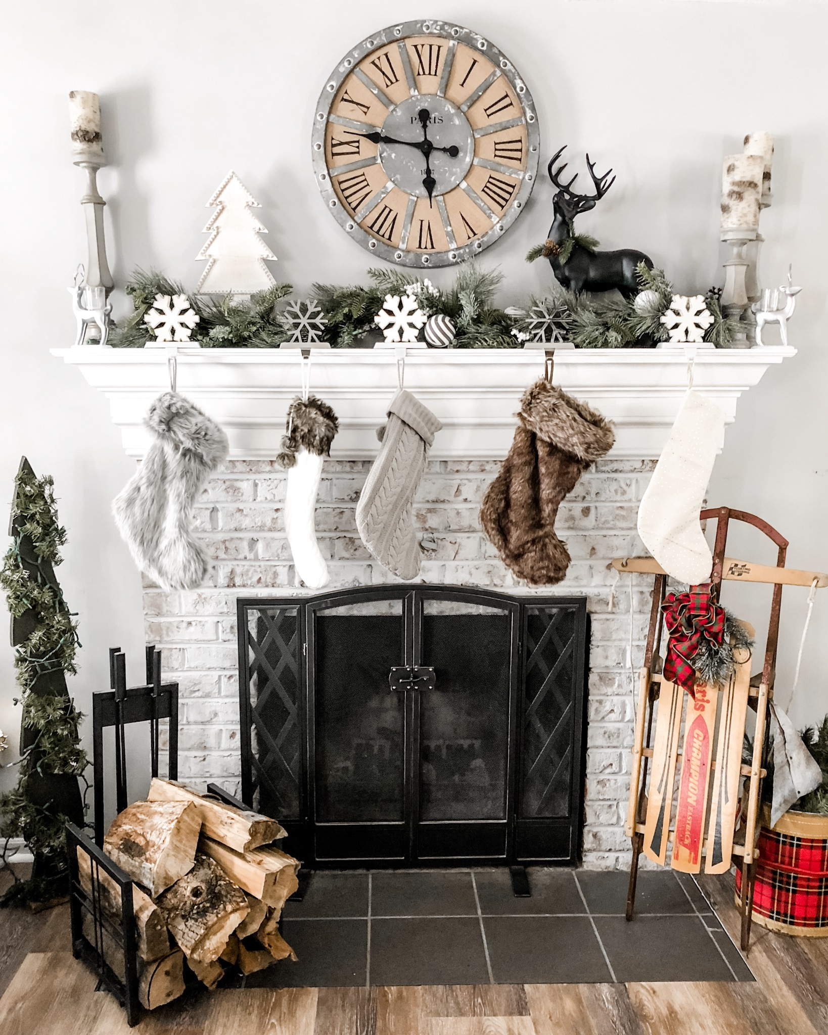 farmhouse fireplace christmas decor